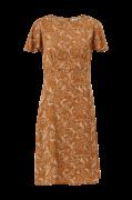 Kjole med kort flagermusærme